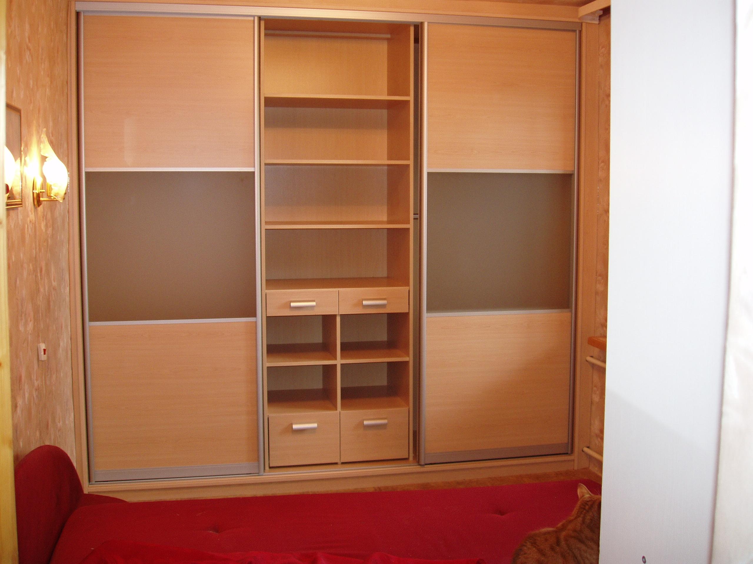 Раздвижной шкаф купе на заказ. недорогой шкаф каталог и цена.